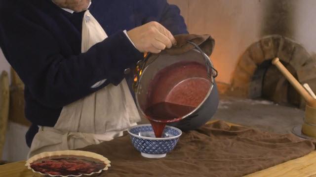 Cranberry Sauce (Time 0_04_38;08)