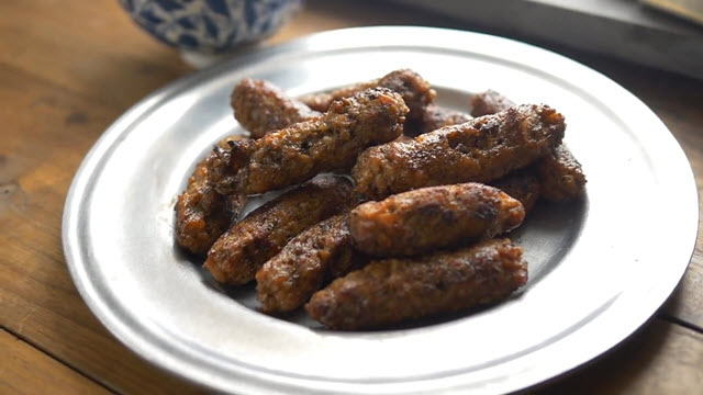 Delicious Sausage (Time 0_00_08;12)